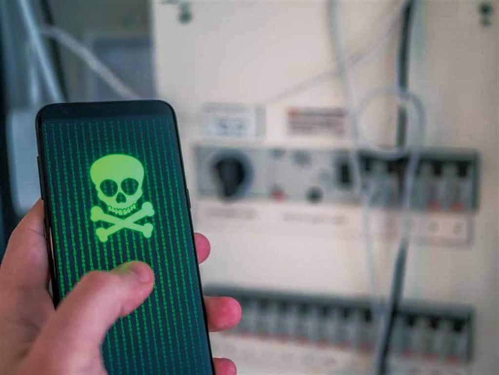 以色列間諜軟體鎖定攻擊iPhone<br>沒點連結竟也會被駭 太驚悚!