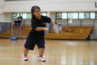 從不會發球到拿金牌 身障生的羽球人生