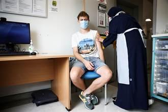 開學前加強防護 英國擬讓16到17歲打輝瑞疫苗