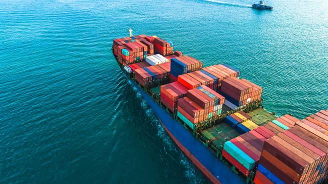 貨櫃三雄成交量大幅萎縮,5日股價下跌2.7%至5.1%。(示意圖/達志影像)