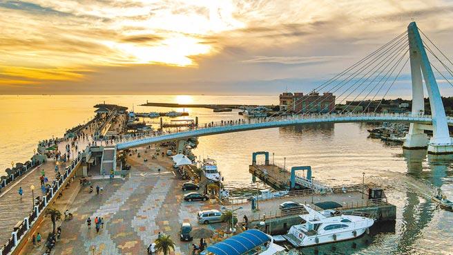 新北市推動淡二漁港轉型觀光漁港,串聯周邊景點,打造淡水成為國際水上休閒中心。(新北市漁業處提供/葉德正新北傳真)