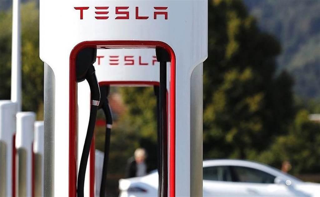 特斯拉為何開放超充給其他車廠?原因可能和高額政府補助有關(圖/DDCar)