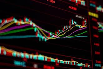 美股收漲 那指、標普締造新高紀錄