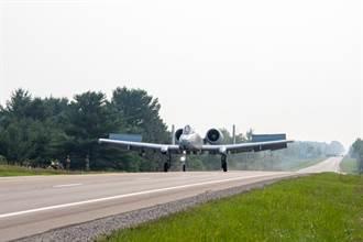 影》史上首次 A-10將這項冷戰風情帶進美國本土