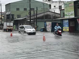 不斷更新》颱風尾挾豪雨灌南台灣 8/7各地停班停課一覽