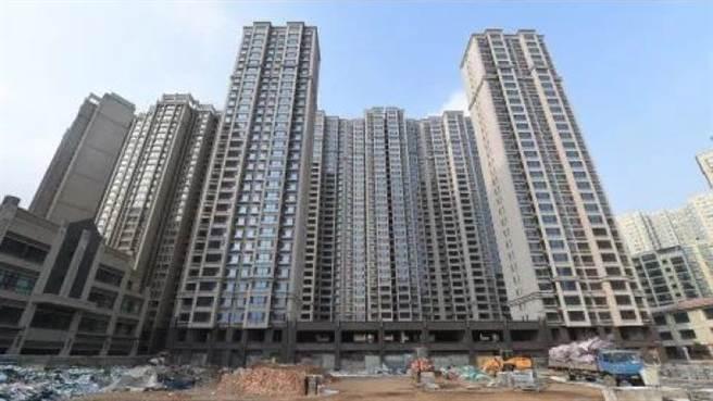 圍堵「假離婚」購房漏洞,北京房市調控再升級。(澎湃新聞)
