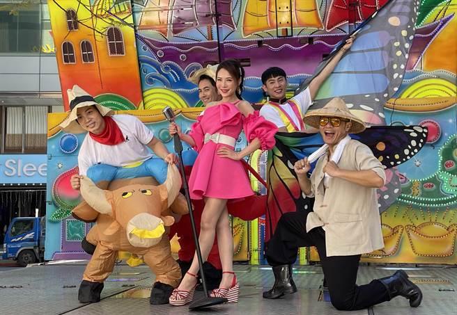 吳申梅新歌〈彩色人生〉充滿正能量。(音圓唱片提供)