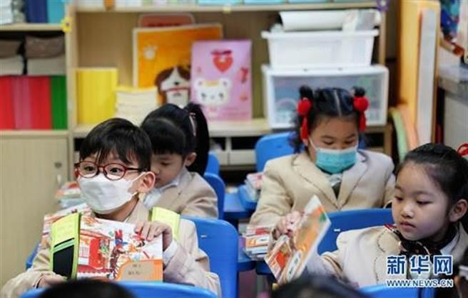 上海中小學生。(新華網)