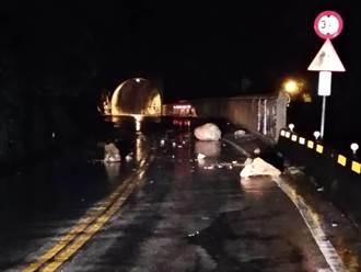 樹倒斷電 台鐵豐原至后里延誤 落石襲中橫多路段阻斷