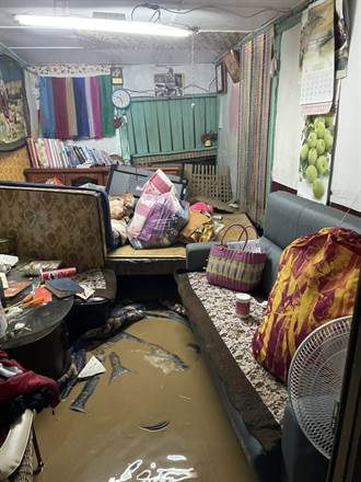南投溫泉大飯店旁土石坍方 3民宅淪「黃泥泳池」超慘