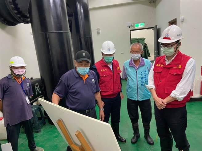 高雄市長陳其邁表示,已加強各抽水站操作整備,確保功能正常。(取自陳其邁臉書)