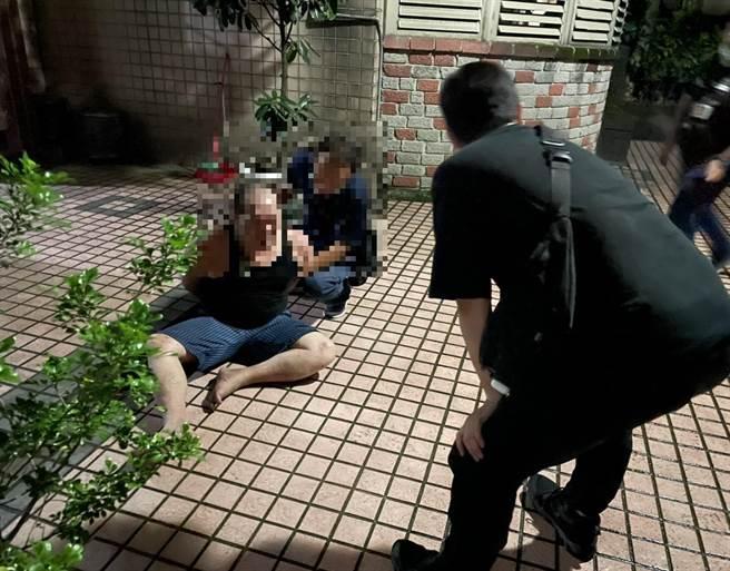 桃園市政府警察局6日規畫「除暴專案行動」及「保護兒童及少年措施擴大臨檢」勤務,動員589名警力。(警方提供)