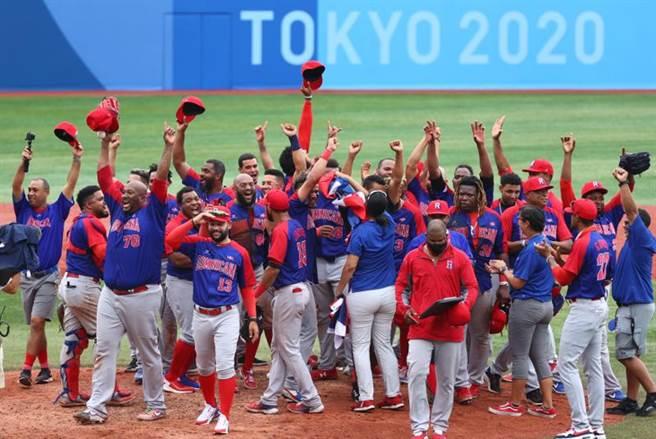 多明尼加在銅牌戰以10比6擊敗韓國隊,奪下隊史首面奧運獎牌。(路透)