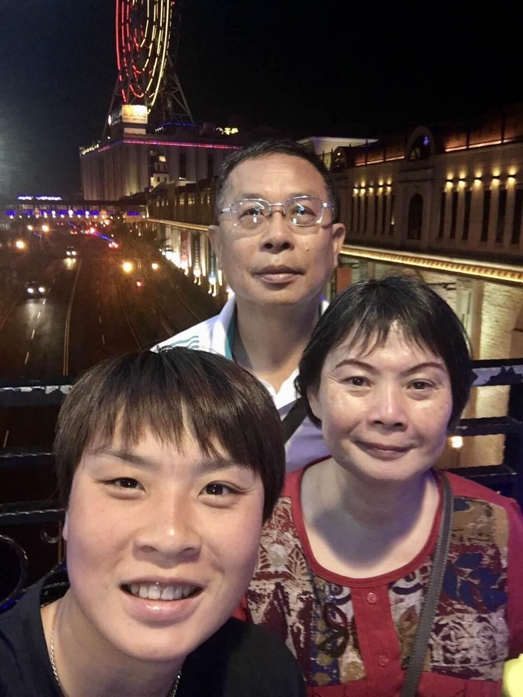 台灣首位參加奧運輕艇女將張筑涵感謝爸爸一路以來的支持。(台中市政府提供)