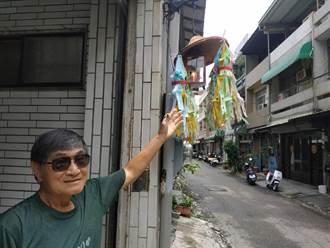 農曆7月北港民眾掛普度燈 為「好兄弟」引路