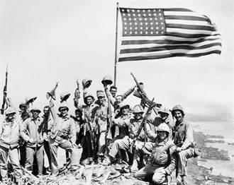 參與硫磺島立旗的美軍軍官塞佛倫斯過世 享嵩壽102歲