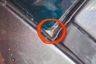 原廠沒換膠條還收費 雨水滲進儀表板 車主氣炸