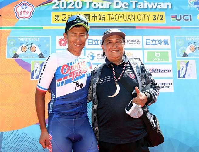 唯一代表台灣參加自由車選手馮俊凱感謝家人支持。(台中市政府提供)
