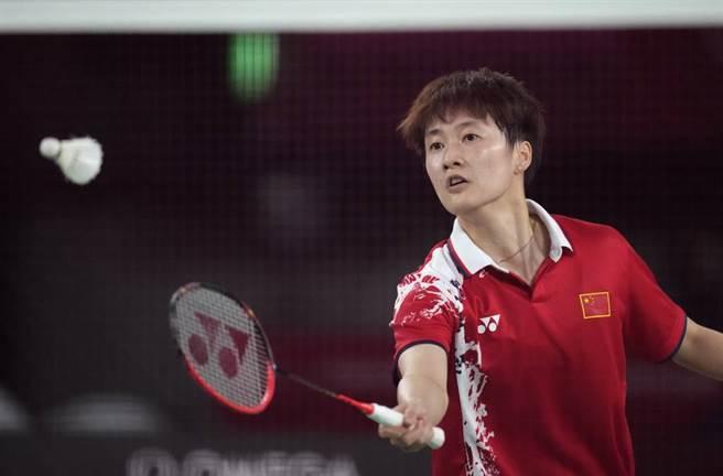 中國大陸羽球女將陳雨菲摘下女單金牌。(美聯社資料照)