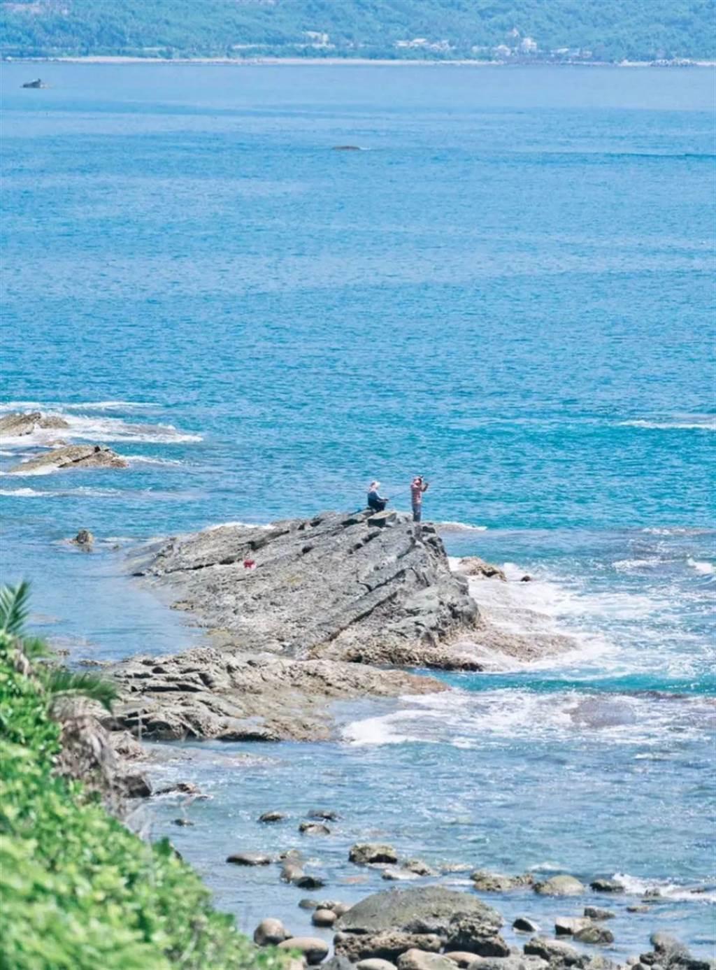 島上垂釣的漁民。(圖:Vickyqin琴)