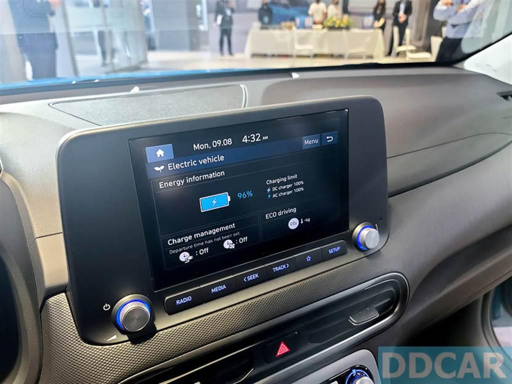 中控媒體娛樂螢幕有方便好上手的觸控介面,反應不慢,但介面未納入繁體中文。(圖/DDCar)