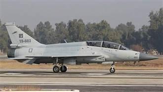 首架雙座型梟龍戰機墜毀 巴基斯坦依靠梟龍對抗印度愈來愈難
