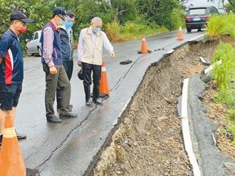 台南山區道路 連夜冒雨完成搶修