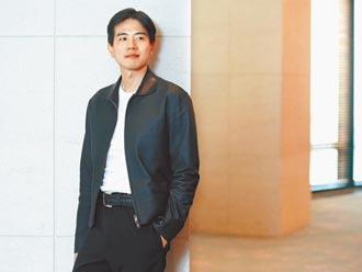 Peter Wu設計男裝 媽媽彭雪芬穿也好看