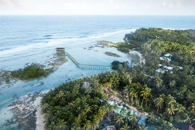 ▲錫亞高島擁有許多世界級浪點。 圖:菲律賓觀光部台灣分處/提供