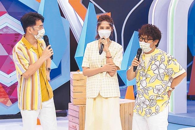 阿Ken(左起)、安心亞以及納豆與來賓一起分享生活趣事。 (中天綜合台提供)