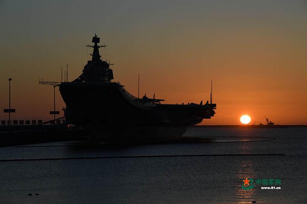 山東艦一如先前消息顯示,參加了這次在南海的大規模演習。(圖/中國軍網)