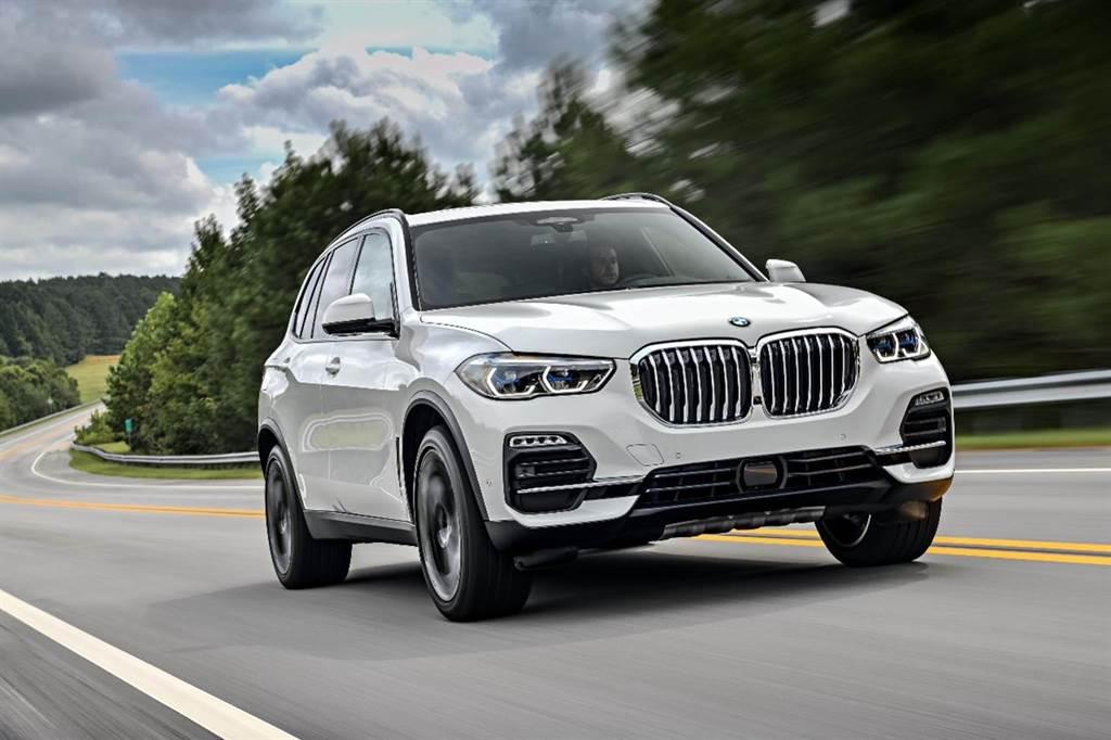 詮釋BMW對於頂級豪華追求的全新BMW X5,本月入主可享一年乙式全險及180萬60期0利率、首期免付。(圖/品牌提供)