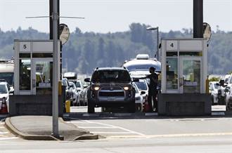 加拿大解除17個月旅行管制 美加陸地邊境大排長龍