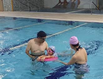 桃園泳池開放首日 民眾憂疫情、無法淋浴卻步