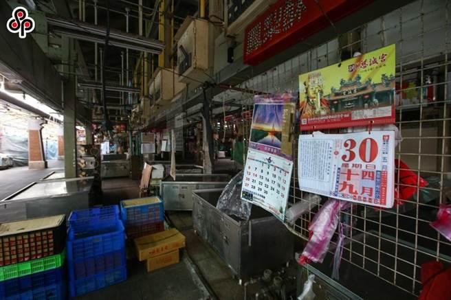 中央流行疫情指揮中心5月中旬將全國升級為三級警戒,要求多個行業停業,重創勞動市場。(報系資料照)