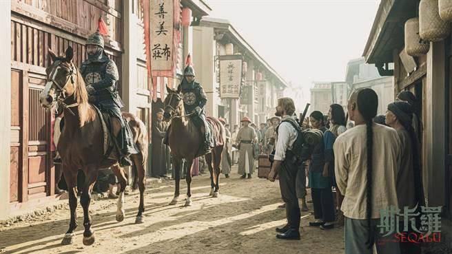 《斯卡羅》在岸內糖廠影視基地搭建主場景「台灣府城」聚落。(《斯卡羅》劇組提供/曹婷婷台南傳真)