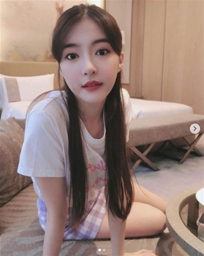 韓菲雖然長得漂亮,但還沒談過戀愛。(圖/IG@ hahahanfi_0120)