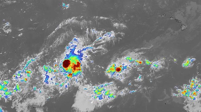聯合颱風警報中心已發布TCFA熱帶氣旋警報,不排除形成颱風。(圖/截自台灣颱風論壇臉書)