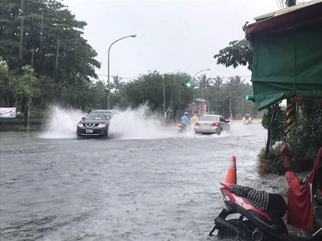 南部豪雨狀況。(圖/本報系資料照)