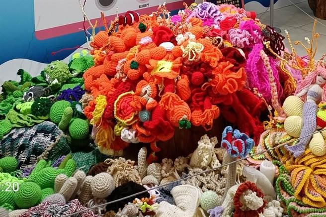 澎湖微解封首場特展,「珊瑚很有事」海洋教育巡迴特展喚醒海洋保育。(陳可文攝)