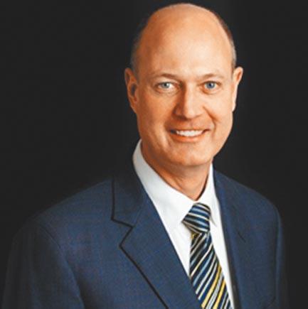 保羅.希爾(Paul Heer)是美國國家利益中心資深研究員,也擔任麻省理工學院國際研究中心研究員,以及喬治華盛頓大學伊利亞德國際事務學院研究中心的客座教授,主要研究中國和東亞問題。2007年至2015年期間擔任東亞國家情報官員。(取自網路)