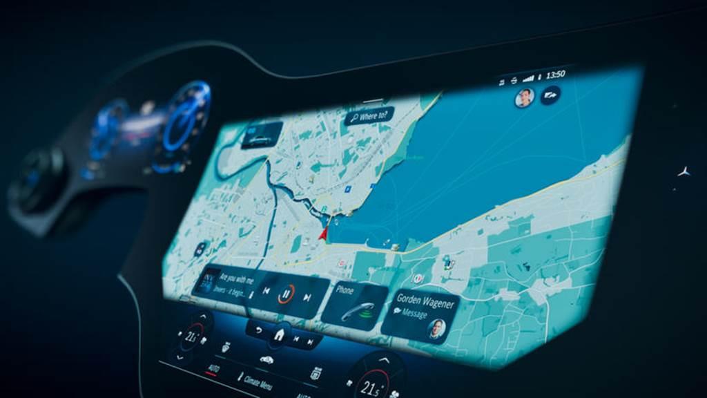 賓士 EQS 旗艦電動車支援 OTA 更新也能玩遊戲,可惜並不是免費的(圖/DDCar)
