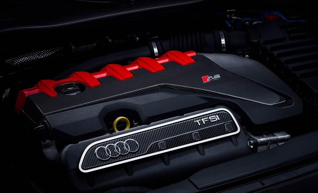 經典的五缸動力心臟為TT RS的精髓所在,可輸出高達400hp最大馬力與480Nm最大扭力。(圖/業者提供)