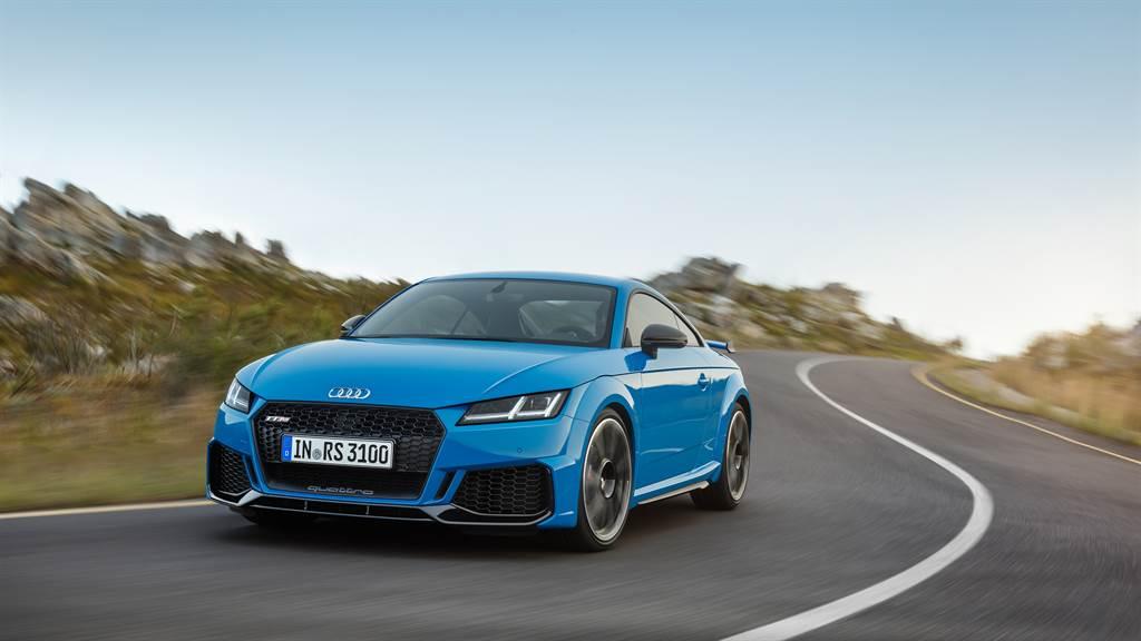 大量鋁合金部件打造的車體,搭配可程式車身動態系統,為TT RS帶來絕佳操控表現。(圖/業者提供)