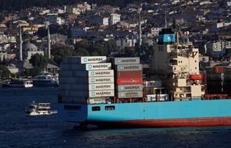 航運爆史上最大危機 全球350艘貨輪卡港口 航商竟下海做這事
