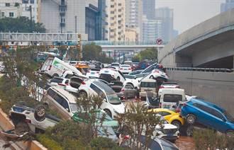 鄭州23.8萬輛車泡水慘送「汽車墳場」 外媒曝光震撼畫面