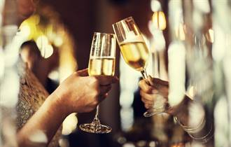 氣候暖化衝擊 香檳釀不出「氣泡」葡萄酒也在進化中