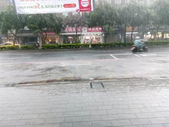 午後大雷雨炸雙北 信義區民崩潰:台北暴雨快沉了