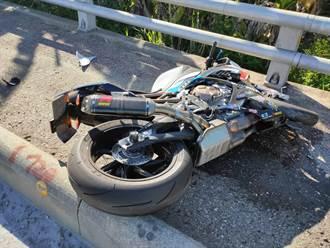 重機超高速撞安全島騎士慘死 車體噴飛300公尺遠