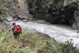 司馬庫斯大橋驚傳釣客落水 遭湍急溪水沖走下落不明